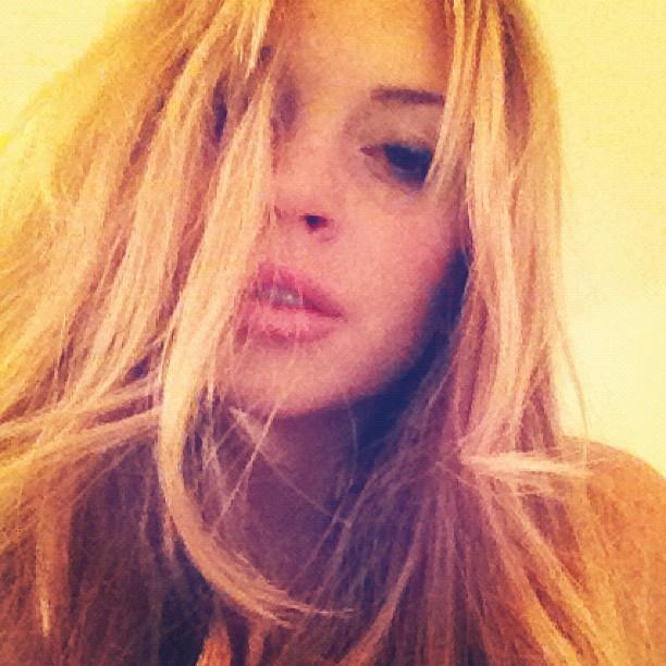 399465-lindsay-lohan-gets-back-to-posting-selfies-on-instagram