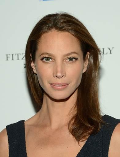 5 Celebrities Who Swear by Beauty Supplements_1