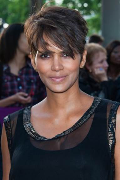 5 of Halle Berry's Top Anti-Aging Secrets_1
