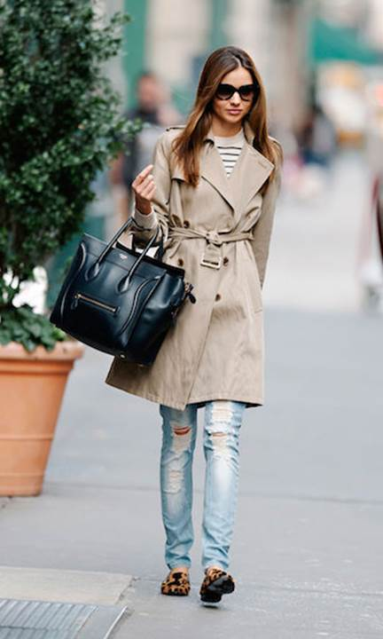 Fashionable Ways to Style a Classic Trench Coat_1