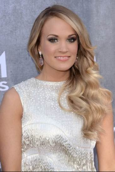 Carrie Underwood to Launch Lifestyle Clothing Collection_1