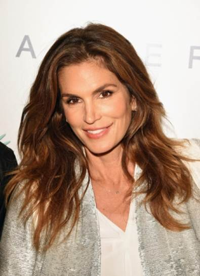 Cindy Crawford Thinks New Models Benefit From Social Media_1