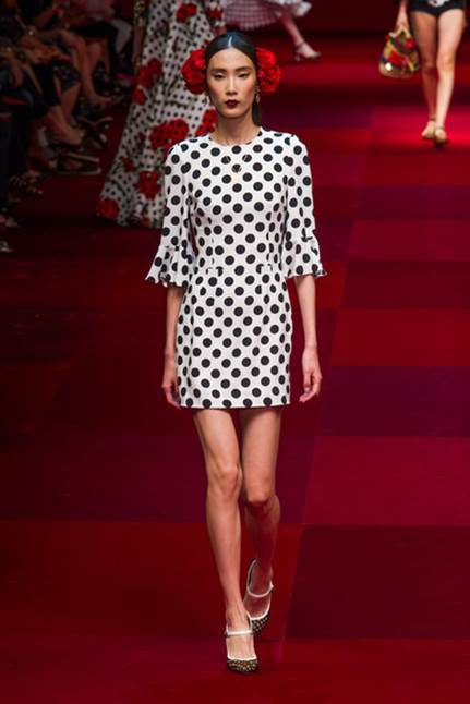 Dolce& Gabbana to Design Claridge's Christmas Tree