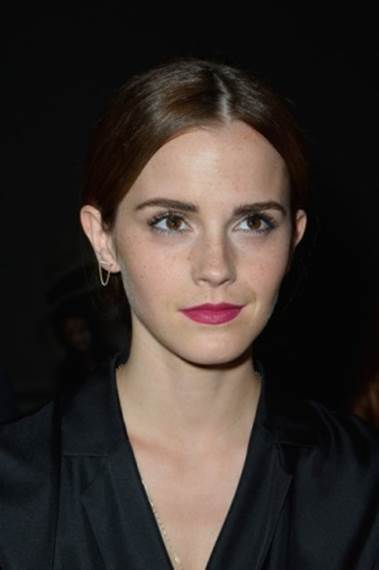 5 of Emma Watson's Best Makeup & Skin Tips