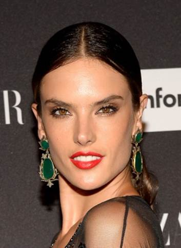 5 of Alessandra Ambrosio's Top Makeup, Hair & Skin Secrets