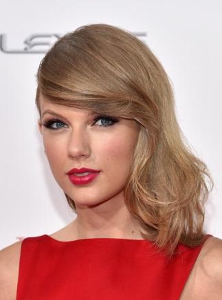5 of the Strangest Celebrity Beauty Tricks & Secrets