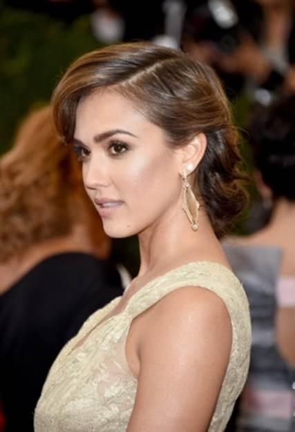 Jessica Alba's Top 5 Makeup & Skin Secrets