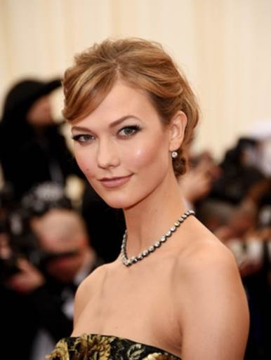 Karlie Kloss on Keeping Her Skin Clear & Her Top Backstage Beauty Tip