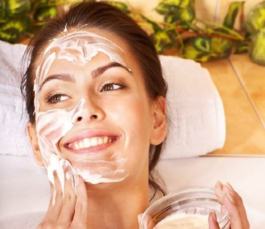 How To Make A Skin-Tightening Mask